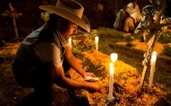 dotd-grave-candles_3489556k
